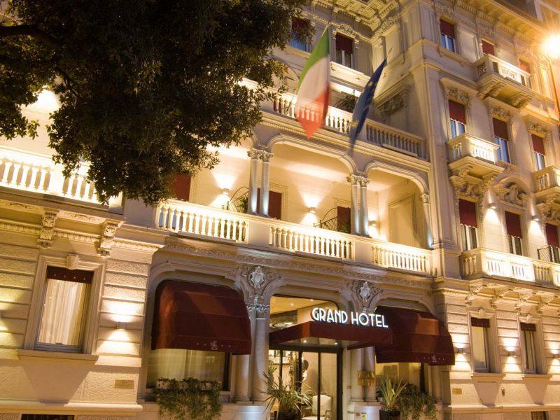 Grand Hotel Des Arts Verona HNH Hospitality esterno notte